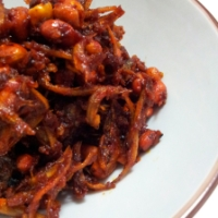 Sambal Kacang Ikan Bilis (Anchovies and Groundnuts in Chilli)